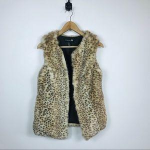 Forever 21 Medium Animal Leopard Faux Fur Vest